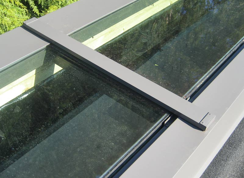 Detail Thompson Skylight Home Building In Vancouver